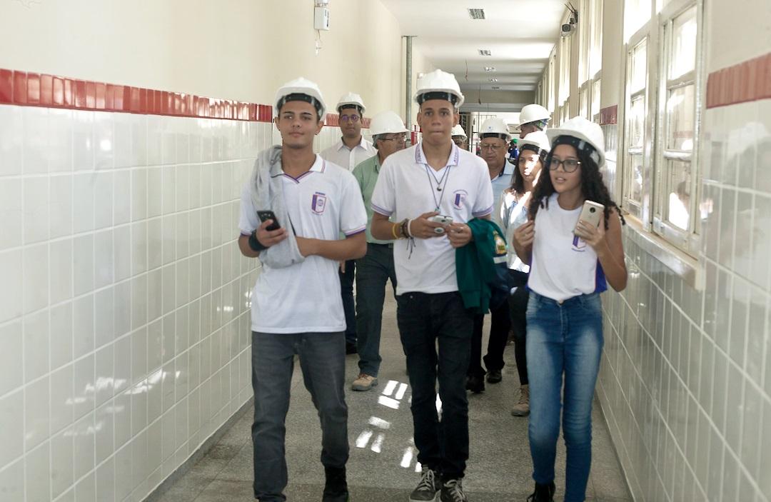 Alunos aprovam andamento das obras do Colégio Estadual Atheneu Sergipense