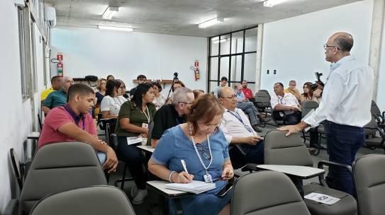 Cehop realiza palestra sobre produto de  impermeabilização na construção civil